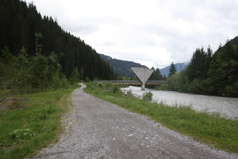 Lechradweg kurz hinter Steeg